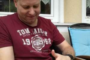Auch Frank findet die kleinen Racker süß.  - © www.urlaub-greifenburg.at
