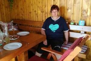 Marion macht es sich in der Laube gemütlich! - © www.urlaub-greifenburg.at