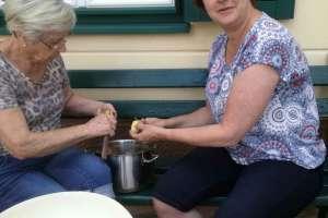 Heute wird gegrillt und es gibt Kartoffelsalat! - © www.urlaub-greifenburg.at