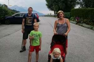 Die Wanderer sind zurück und todmüde. 3 km Wanderweg reichen. - © www.urlaub-greifenburg.at