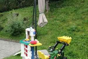 Spielgeräte für unsere Kleinen stehen bereit. - © www.urlaub-greifenburg.at