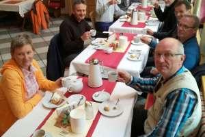 Schlechtwetter? Kein Problem, dafür gibt es Kaffee und Kuchen. - © www.urlaub-greifenburg.at