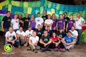 Ein Gruppenfoto in der Scheune! - © www.urlaub-greifenburg.at