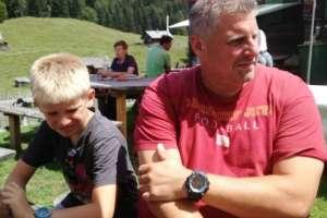 Unser treuester Stammgast Ralf mit seinem Sohn Leon. - © www.urlaub-greifenburg.at