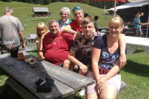 Die Family ist fast vollständig. - © www.urlaub-greifenburg.at