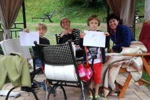 Zwei Familien haben sich gefunden. - © www.urlaub-greifenburg.at