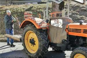 Auch der Bauer ist wieder in Action! - © www.urlaub-greifenburg.at