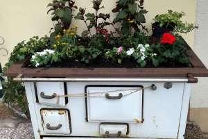 Der Ofen - frisch bepflanzt! - © www.urlaub-greifenburg.at